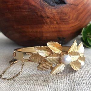 VTG Goldtone and Pearl Flower Clamper Bracelet